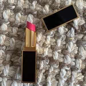 NEW Tom Ford lipstick satin matte 08 pussy power
